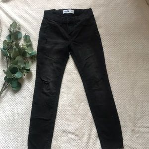 Black ripped jegging jeans